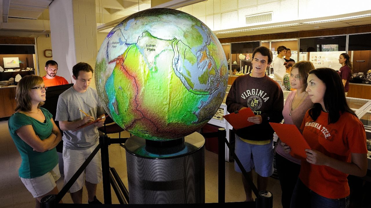 Students with the Omni Globe